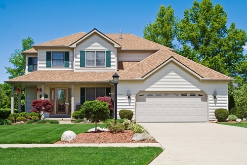 Consumers Must Weigh Advantages of Asphalt and Concrete When Installing Driveways