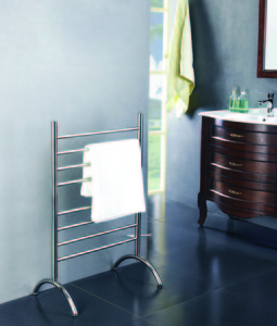 Barcelona free-standing plug-in towel warmer